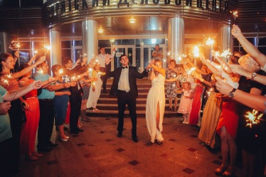 night-wedding_t20_GGn1EY